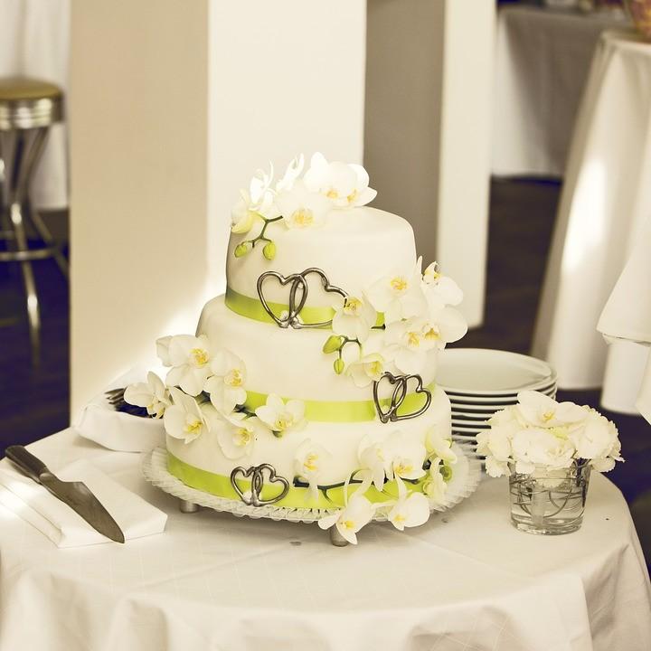 Favorito Torte nuziali particolari: quando la dolcezza incontra lo stile  MC11