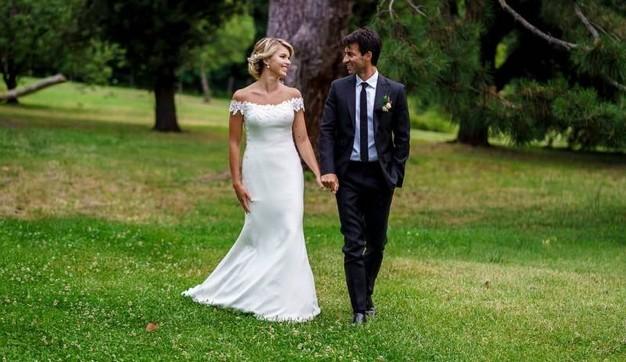 La scelta di Charlotte: abito da sposa a sirena con scollatura omerale