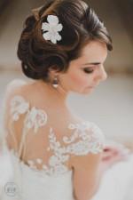 Come scegliere gli accessori per capelli sposa in base al vestito?