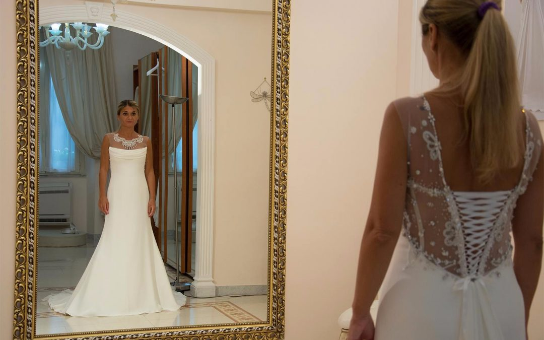 Quanti mesi prima scegliere l'abito da sposa?
