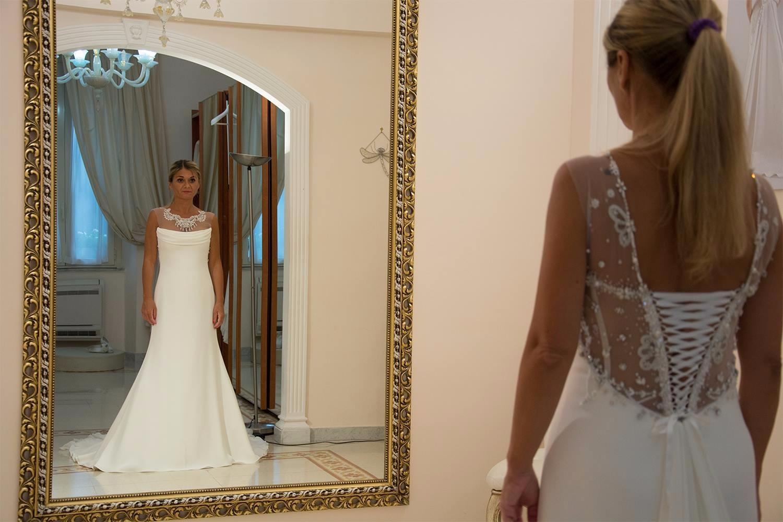 quanti mesi prima scegliere l'abito da sposa