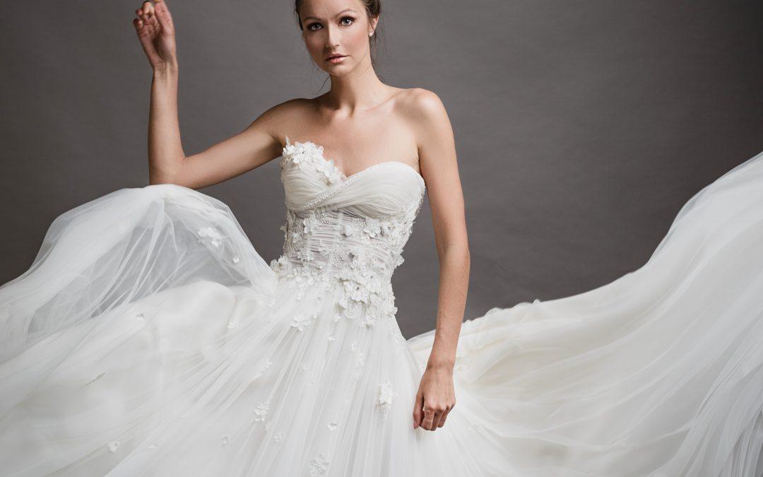 Scelto per te: abito da sposa in tulle con elementi floreali