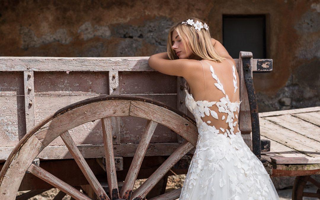 abiti da sposa con schiena scoperta